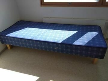 Selling: bed