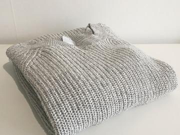 Myydään: Sweater(female)