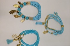 Compra Ahora: Ombeads bracelets 60 sets of 3 with free gift bag