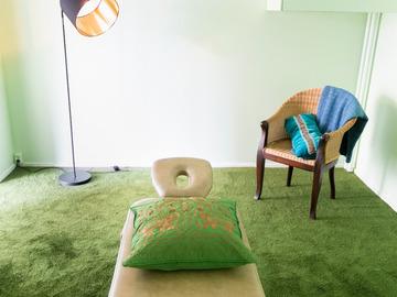 Renting out: vuokrataan 42m2 tila Kalliossa, myös hoitohuone+ hoitopöytä
