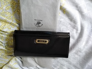 Selling without online payment: Beverly hills wallet