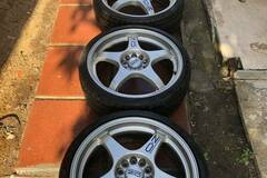 Selling: OZ Racing Crono Evolution 18x7 et45