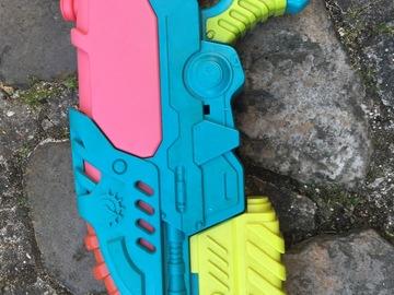 Don: Pistolet à eau