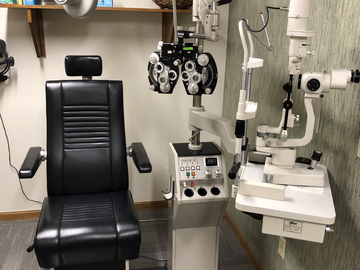 Selling with online payment: Burton 2001 Chair & Stand with Reichert Xcel 400 Slit lamp