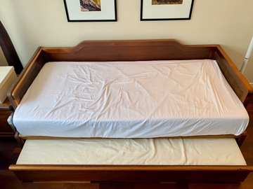 Selling without online payment: For Sale: Day Bed with Pull-Out Trundle Bed