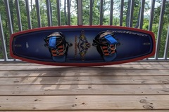Renting out with online payment: Liquid Force Wake Board w/boots