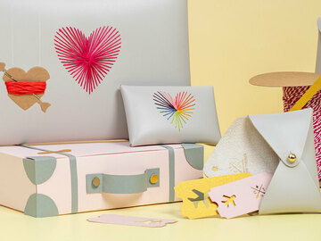 : Stitch Heart Strings Envelope Purse