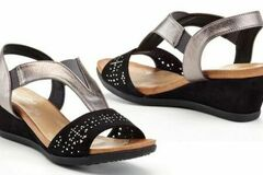 Liquidation/Wholesale Lot: 9 PCS Lady Godiva Ana Women's Wedge Sandals Size-9