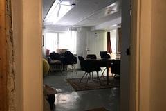 Renting out: Työpöytiä tarjolla aivan keskustasta(HKI)!