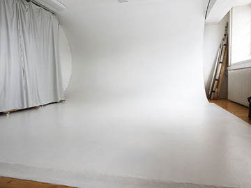 Renting out: Valokuvastudio jaetusta tilasta / Shared photography studio