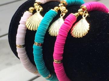 Vente au détail: Bracelet perles heishi et coquillage