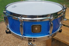Selling with online payment: Lower price  '04 Gretsch USA Custom 5x14 blue sparkle snr exc.+++