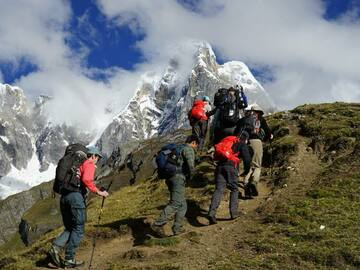 Offering with online payment: Cordillera Huayhuash Trekking Peru South America