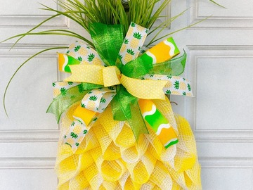 Selling with online payment: Pineapple Door Hanger