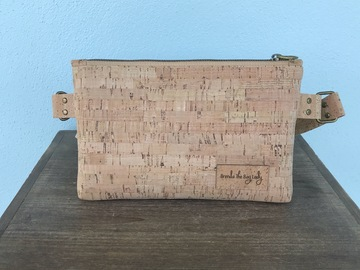 Selling with online payment: Cork Hip Pack