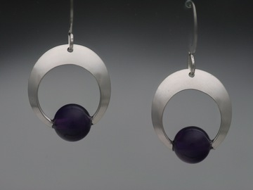 Selling with online payment: Amethyst Crescent