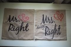 Ilmoitus: Koristetyynyliinat Mr & Mrs