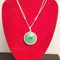 Vente au détail: collier réglable de couleur verte en corail