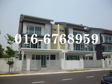 For sale: Cassia Grove, 3 storey semi D for sale