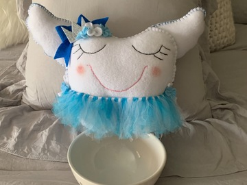 Selling with online payment: Tooth fairy pillows.