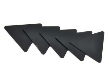 Post Now: Plastic Black Triangle Pollen Scrapers for Herb Smoking
