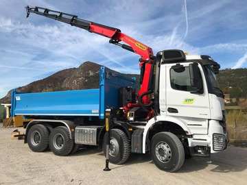 Location: Camion Grue 8x4