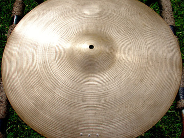 """Selling with online payment: 1960s ZILDJIAN 20"""" ride  2570 grams"""