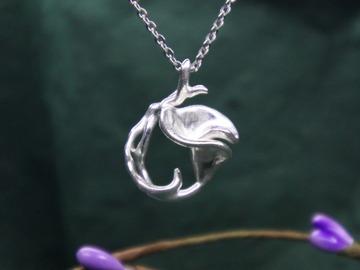 : dancing calla lily silver pendant
