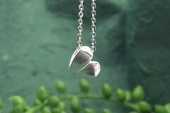 : dainty folding heart pendant