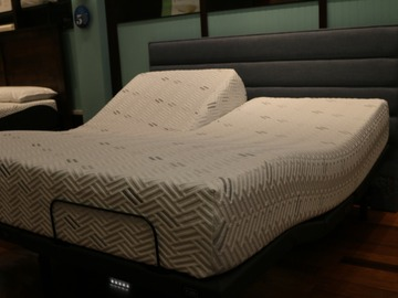 Selling with online payment: Arya Mattress Split Head King