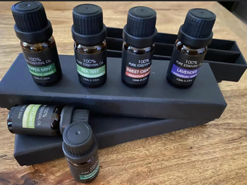 Selling with online payment: 3 Sets of Essential Oils (18 Bottles)