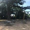 NOS JARDINS A LOUER: Jardin piscine bbq dans un parc de 2ha abri regard