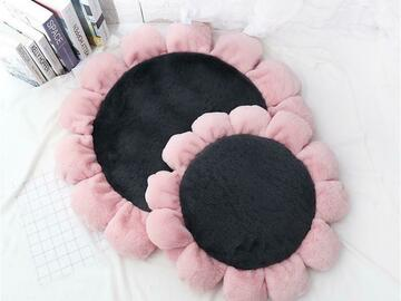 Selling: Floral Pet Mat / Bed - large
