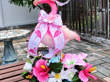 Selling with online payment: Flamingo Centerpiece
