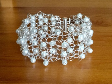 Selling with online payment: Wire Crochet Bracelet