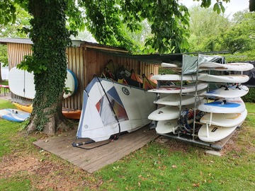 Vermiete dein Board pro Stunde: Windsurfmaterial - Verleih