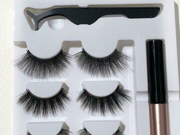 For Sale: Magnetic eyelashes and eyeliner kit