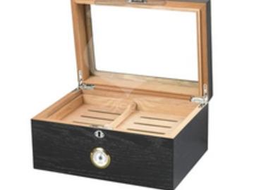 Post Products: Milano Glass Top Humidor 100 Cigar Count | Black Oak