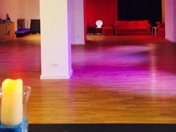 Vermiete Gym pro H: Große Tanzstudio in Pasing zu untervermieten tagsüber