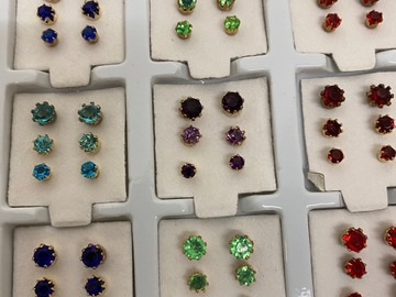 Buy Now: 3240 pairs earrings-- Rhinestone Trio Stud earrings--  $ .03 pair