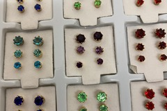Buy Now: 3240 pairs earrings-- Rhinestone Trio Stud earrings--  $ .03 pair