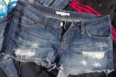 Buy Now: 50 pcs All Brand Name Womens Shorts, Capris, Skirts, Skorts...
