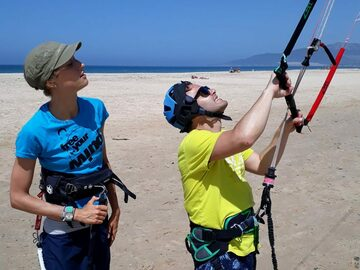 Renting out: Wetsuits and Harness Rental in Tarifa