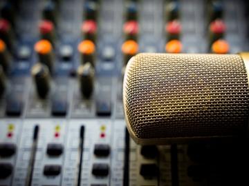 Rent Podcast Studio: ModPod - Clean, Modern & Easy