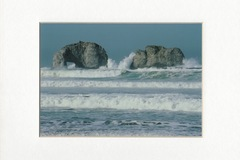 Selling with online payment: Twin Rocks, winter surf