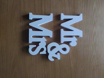 Ilmoitus: Mr & Mrs pöytäkoriste