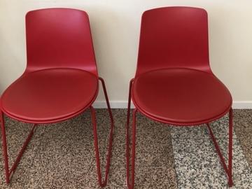 Gebruikte apparatuur: Stoeltjes wachtkamer/ behandelkamer