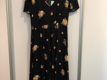 Selling: Black Summer Dress, size S, new still has tag