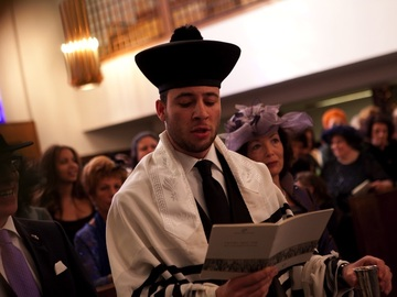 Chazzan-Cantor-Paytan: Cantor for Shabbat Services