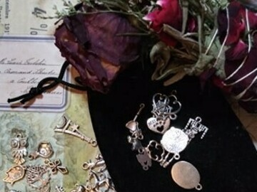 Selling: Charm Casting: Channelled prediction through charms - MYSTIC ROSE